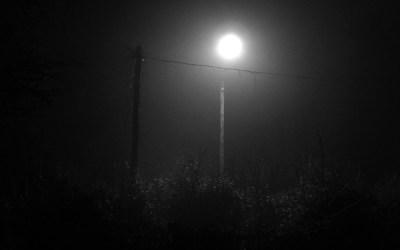 la Lune dans le réverbère