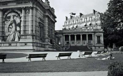 Seule à Paris