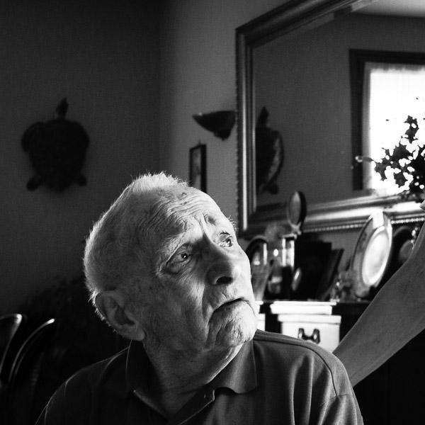 Résultats de recherche d'images pour «vieil homme regard»