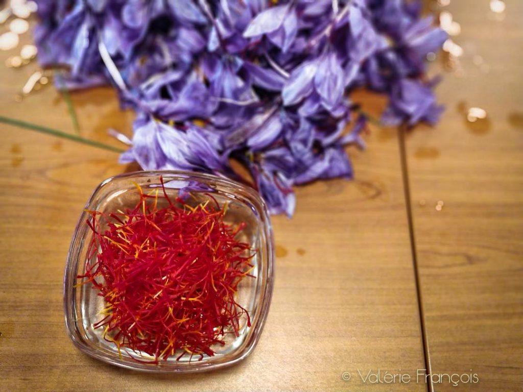 Le safran se vend à toute petite dose de 0,1 gramme. Ce qui correspond à 15 fleurs et 45 filaments.