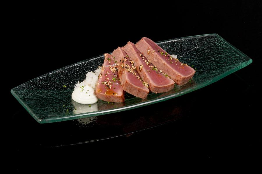 Marinated Bluefin tuna served with shusi rice