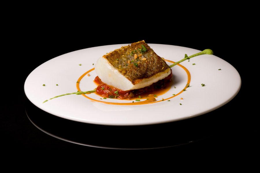 Grilled cod with roasted peppers  (150 g)