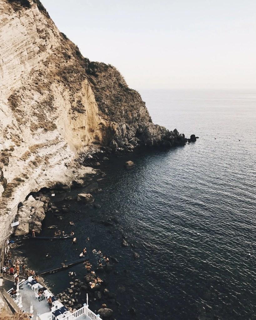 Baia di Sorgeto a Ischia