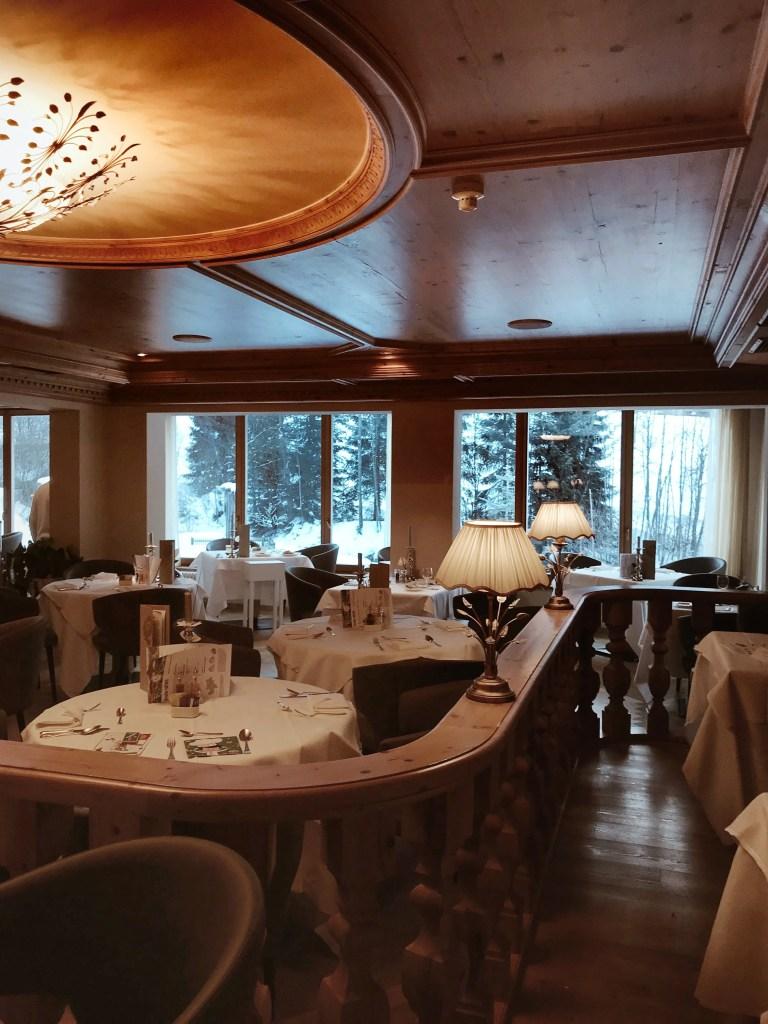 la sala della cena dell hotel Quelle Resort