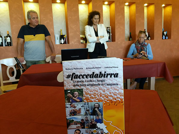 da sinistra Roberto Pellecchia, Antonella Petitti e Sabrina Prisco