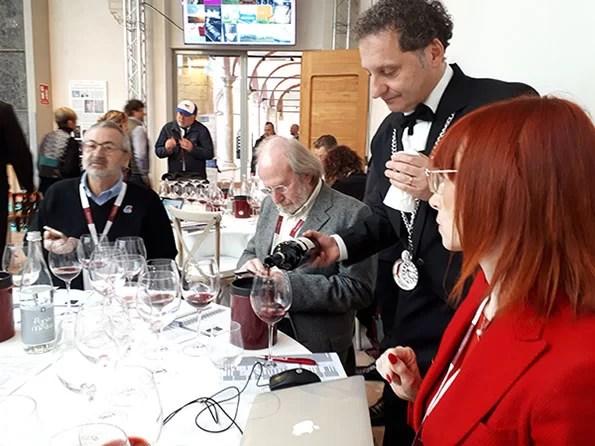 Benvenuto Brunello: da destra i giornalisti Alessandra Piubello, Gigi Brozzoni e Andrea Gabbrielli