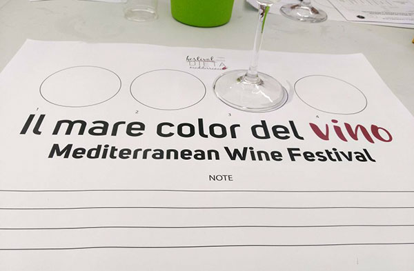 Il mare color del vino