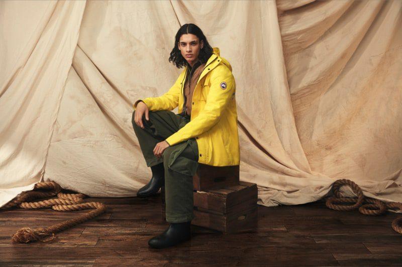 Canada Goose lancia le sue nuove rain jacket gialle per la PE 2020
