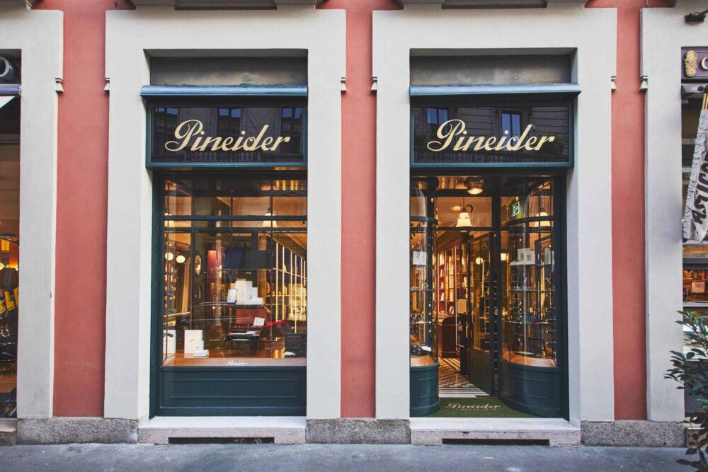 Il_flagship_store_Pineider_via_Manzoni_12_MIlano