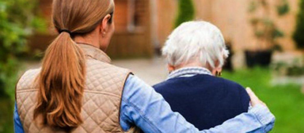 """Albano, Politiche sociali: arriva il """"caregiver"""" familiare"""