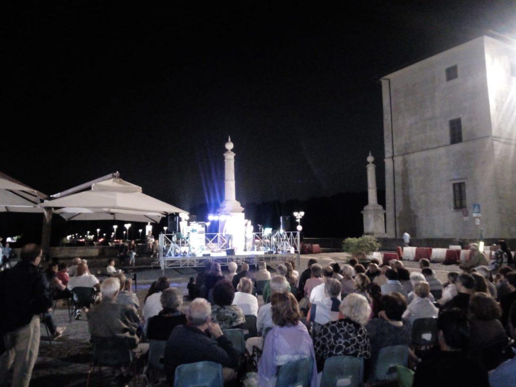 Ariccia: piazza di Corte si anima per l'Estate Ariccina, 20 – 21 luglio in programma Charleston Orchestra e Mancini Cabaret