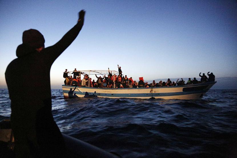 Immigration: ship frigate Espero patrol Mediterranean Sea