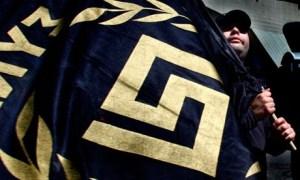 42581-la-bandiera-di-alba-dorata-il-cui-simbolo-ricorda-la-svastic