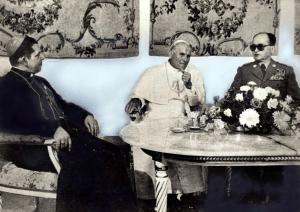 Giovanni Paolo II insieme a Jaruzelski