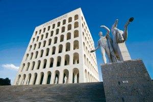 Il Palazzo della Civiltà Italiana, nel quartiere EUR di Roma