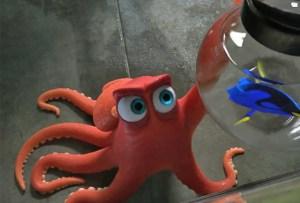 """Il polpo rosso Hank, doppiato in originale da Ed O'Neill, è uno dei nuovi personaggi introdotti in """"Finding Dory"""""""