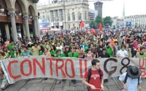 """per """"No Global"""" si intende quel movimento contrario alla globalizzazione, intesa come sistema di sfruttamento economico dei paesi in via di sviluppo, di predominio della cultura occidentale che crea ulteriori diseguaglianza in termini di reddito e acesso alla sanita e all'istruzione"""