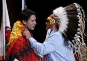 Trudeau ha promesso una politica di distensione e aiuti verso i popoli indigeni del Canada.