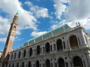 Una fotografia della Basilica Palladiana, situata a Vicenza