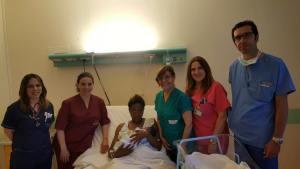 Ospedale di Lentini (Provincia di Siracusa): ieri sera una giovane madre straniera ha partorito il suo bambino. Ci auguriamo che un giorno anche lui possa diventare un cittadino italiano - © Salvatore Di Salvo
