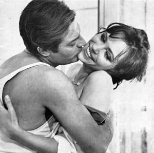 """Gli attori Marcello Matroianni (1924-1966) e Anna Karina (1940) nel film """"Lo straniero"""" del 1967 tratto dal libro, per la regia di Luchino Visconti (1906-1976)"""