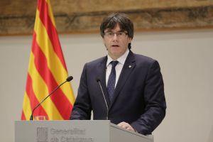 Carles Puigdemont i Casamajó (1962) è un politico spagnolo, attuale Presidente della Generalitat de Catalunya dal 10 Gennaio 2016