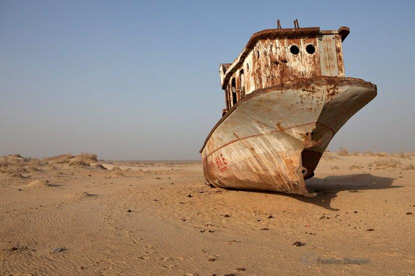 Il lago d'Aral, prosciugato da politiche agricole sbagliate