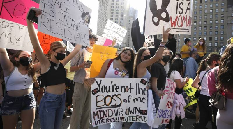 Legge sull'aborto: protestano le donne del Texas