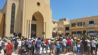 Protesta profughi a Lampedusa
