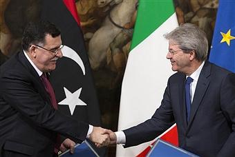 Al Sarraj con Paolo Gentiloni