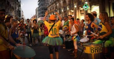"""Tutti i colori e la magia del Festival Internazionale di Arti di Strada """"Ursino Buskers"""""""