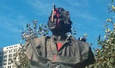 Statua di Colombo a Detroit manomessa