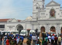 Hanno ucciso il Cristo risorto in Sri Lanka, attentati in chiese e hotel centinaia di morti