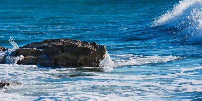 come può uno scoglio arginare il mare…