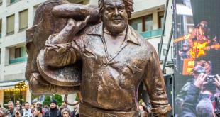A Budapest inaugurata la prima statua al mondo dedicata a Bud Spencer