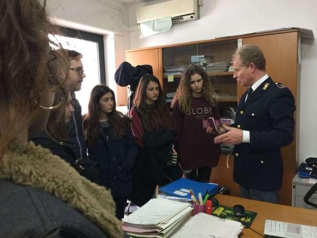 """Alleanza educativa tra Polizia di Stato e Liceo """"De Sanctis Galilei"""""""