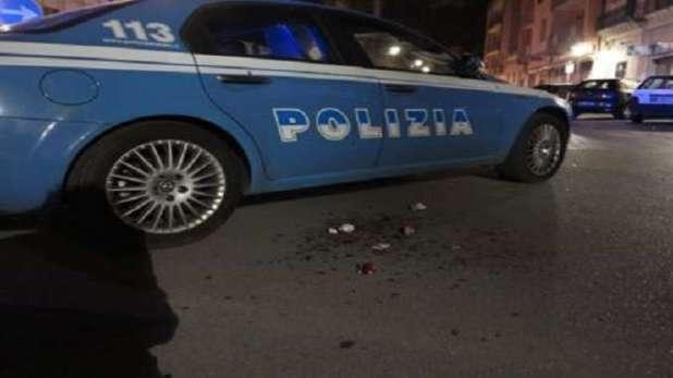 Brindisi, scontro a fuoco con Polizia, muore bandito durante l'assalto al Bancomat