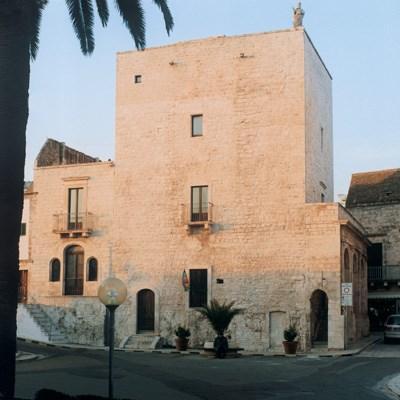 Fortezze e Castelli di Puglia: La Torre Normanna di Cisternino