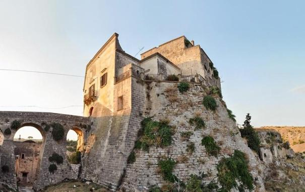 Fortezze e Castelli di Puglia: Il Castello di Ginosa