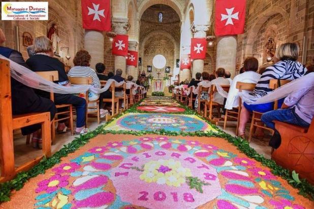 Anche quest'anno si rinnova a Maruggio (TA) una sentitissima e bella tradizione, che è una gioia per gli occhi