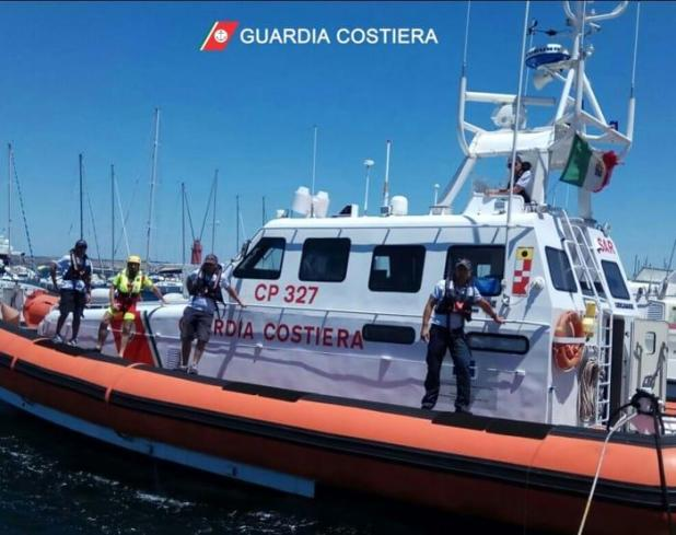 Diportista in panne nelle acque di Porto Cesareo. Soccorso dalla Guardia Costiera