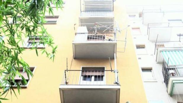 """Bari- Bimbo """"miracolato"""": precipita dal terrazzo del settimo piano, illeso"""