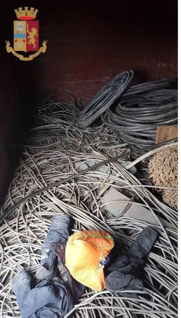 La Polizia di Stato recupera 8 quintali di cavi di rame che era stato sottratto a RFI