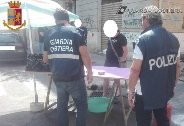 Operazione congiunta della Polizia di Stato e della Guardia Costiera, sequestrati tre quintali di cozze