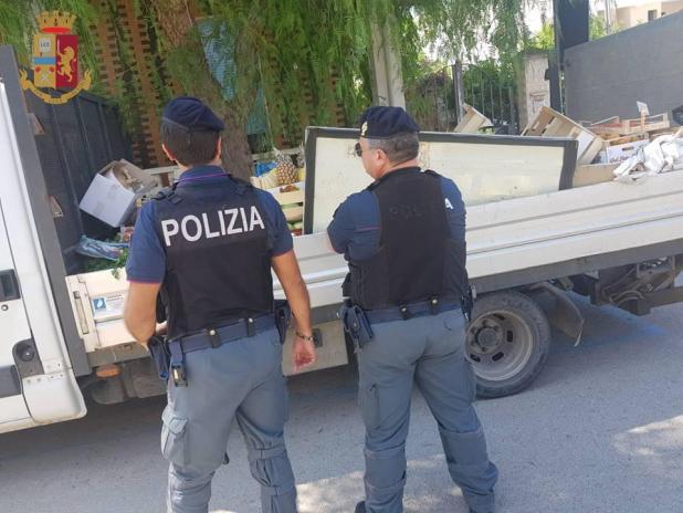 """San Pietro in Bevagna nell'ambito di """"Comunità Sicure"""":rimossi due banchi di frutta abusivi e sequestrata una tonnellata di frutta"""