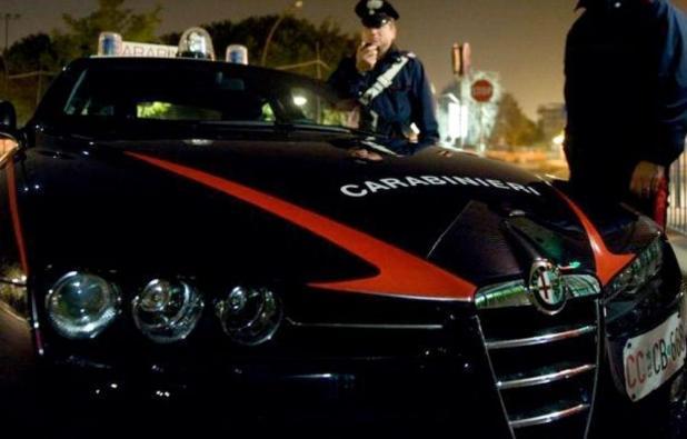 SAN MARZANO DI S. GIUSEPPE - Coppia di fidanzati litiga in auto, intervento dei carabinieri