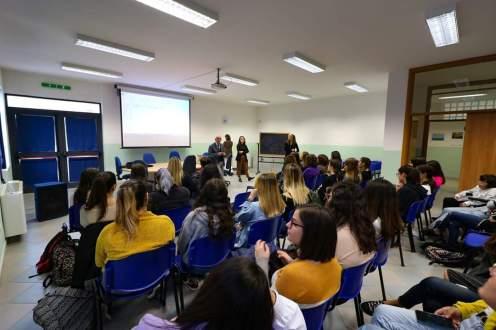 WIM- Women in Motion: un progetto contro gli stereotipi di genere. Gruppo FS Italiane incontra le studentesse dell'I.I.S.S. Del Prete-Falcone di Sava