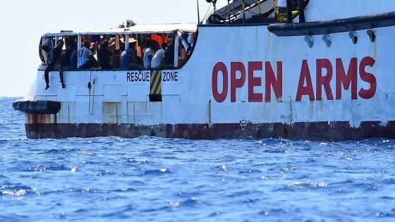 Sbarco Open Arms,nel porto di Taranto: arrestati due scafisti