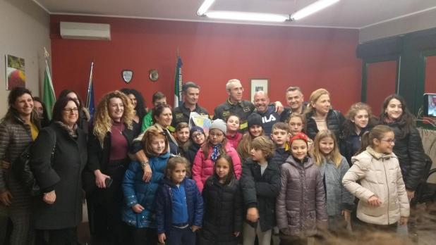 """Gli alunni dell'istituto Comprensivo Statale"""" Leonardo Sciascia"""" di Talsano, in visita alla Caserma Centrale dei VV.FF di Taranto"""