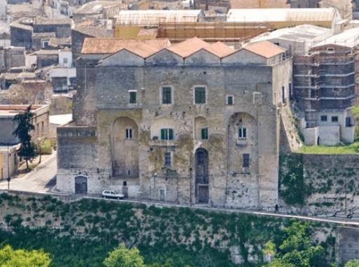 Fortezze e Castelli di Puglia: Il Castello e la Torre di Minervino Murge